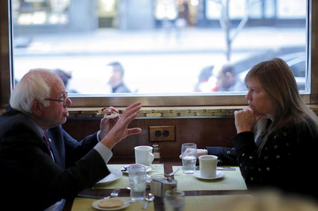 Sanders eating with his wife, Jane, in a Brooklyn diner on April 7.