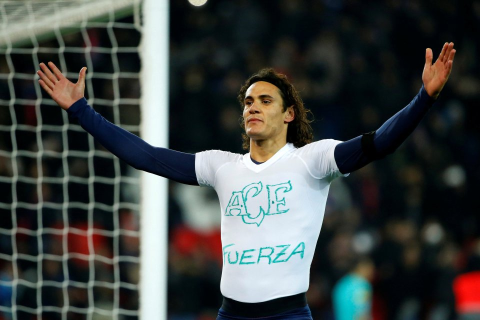 Cavani's tribute to Chapecoense via Reuters